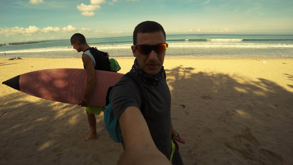 Surfanje na plaži v Kuti